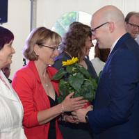 Die neuen Paten des vergangenen Jahres wurden im Sommer 2016 zur Festveranstaltung des zehnjährigen Netzwerk-Jubiläums von Thomas Kralinski, damals Bevollmächtigter des Landes Brandenburg beim Bund, heute Chef der Staatskanzlei Brandenburg, beglückwünscht. (Foto: Steffen Rasche)