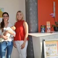 Geburtsvorbereitungskurse mit Tabea Meier (links) in der Tanzschule Scharfe in Senftenberg (Bild: 3/3)